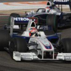 Kubica seguido por Nakajima