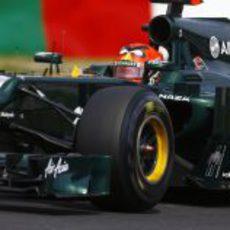 Heikki Kovalainen rueda con los duros en Suzuka