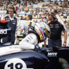 Pastor Maldonado sale del FW34