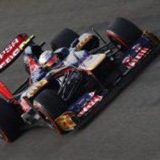 Jean-Eric Vergne con superblandos en su Toro Rosso STR7
