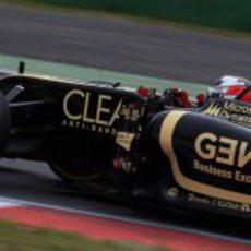 Kimi Räikkönen a bordo de su Lotus E20 en Yeongam