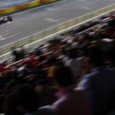 Romain Grosjean pasa por la recta de meta del circuito de Yeongam