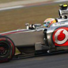 Lewis Hamilton pilota con superblandos en Corea 2012