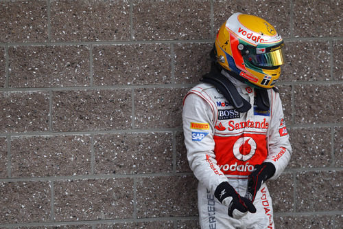 Una carrera muy dura para Lewis Hamilton