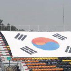 Bandera de Corea del Sur en las gradas del circuito