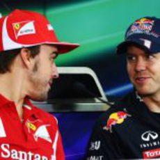 Fernando Alonso y Sebastian Vettel en la rueda de prensa de la FIA en Corea