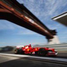 Fernando Alonso entra a boxes en Corea 2012