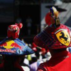 Aficionados de Red Bull y Ferrari juntos en Japón