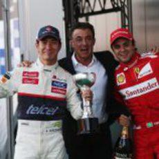 Kobayashi y Massa junto a Jean Alesi en Japón