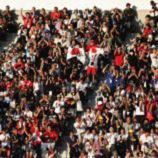 Gradas llenas de afición en el GP de Japón 2012