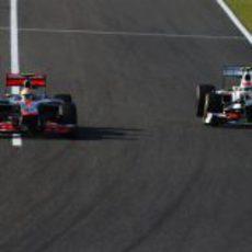 Hamilton y Pérez en paralelo en Suzuka