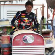 Mark Webber prueba su nuevo monoplaza para India