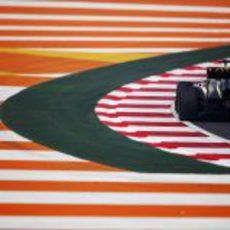 Grosjean rueda en los libres de India 2012