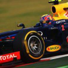 Mark Webber exprime el RB8 en India
