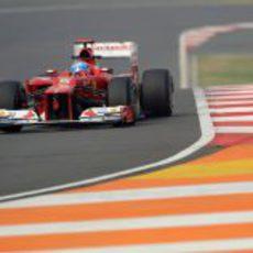 Fernando Alonso fue tercero en ambas sesiones del viernes