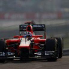 Timo Glock rueda en el Gran Premio de India