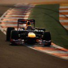 Mark Webber pilotando el RB8 para ser segundo en la Q3