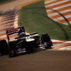 Daniel Ricciardo rueda a los mandos del STR7 en India