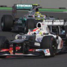 Sergio Pérez y Nico Rosberg en India
