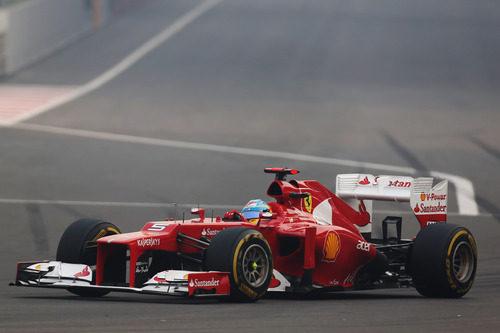Fernando Alonso en la carrera de Nueva Delhi