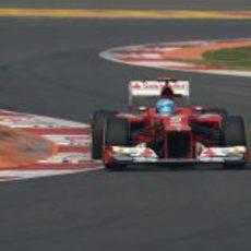 Fernando Alonso saldrá quinto en India