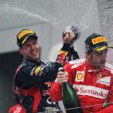 Vettel moja a Alonso en el podio de Nueva Delhi