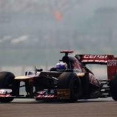 Daniel Ricciardo pasó a la Q2 en la clasificación de Indiaq