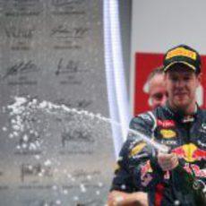 Sebastian Vettel gana por cuarta vez consecutiva