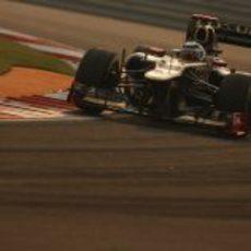 Kimi Räikkönen coge una curva en India