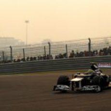 Bruno Senna rueda con el blando en carrera