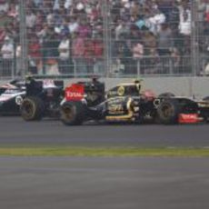 Romain Grosjean precede a los Williams
