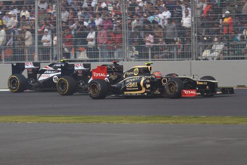 Romain Grosjean precede a los Williams