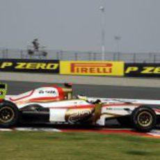 Pedro de la Rosa pilota en el Buddh International Circuit