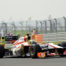 Pedro de la Rosa pilota el F112 en el Buddh International Circuit