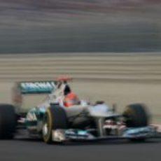 Michael Schumacher a toda velocidad en las rectas de India