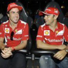 Alonso y Massa en una nueva atracción de Ferrari World
