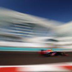 Sebastian Vettel en los libres del GP de Abu Dabi 2012