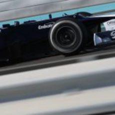 Valtteri Bottas rueda con el FW34 en los Libres 1 del GP de Abu Dabi 2012