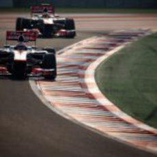 Los dos McLaren juntos en los libres del GP de India