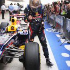 Vettel celebra su pole en India 2012