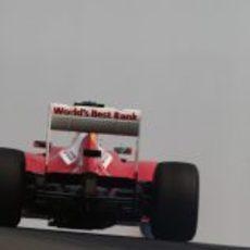 Felipe Massa al volante del Ferrari en India