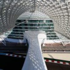Vista desde el puente del hotel de Yas Marina