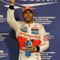 Lewis Hamilton se hace con la 'pole' en el GP de Abu Dabi 2012
