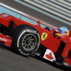 Fernando Alonso clasificó séptimo en Abu Dabi