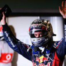 Sebastian Vettel celebra su podio en Abu Dabi tras salir desde el pit lane