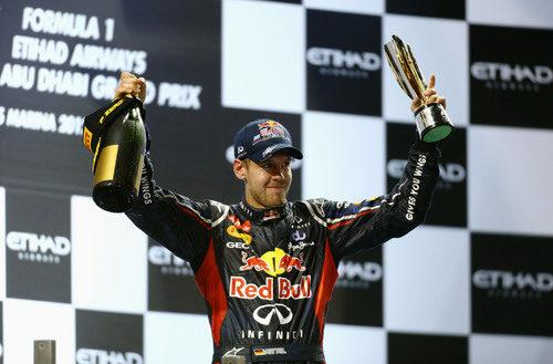 Sebastian Vettel remontó del pit lane al podio en Abu Dabi