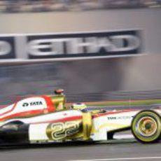 Pedro de la Rosa conduce el F112 en la carrera de Abu Dabi