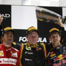 Räikkönen, Alonso y Vettel en el podio de Abu Dabi 2012