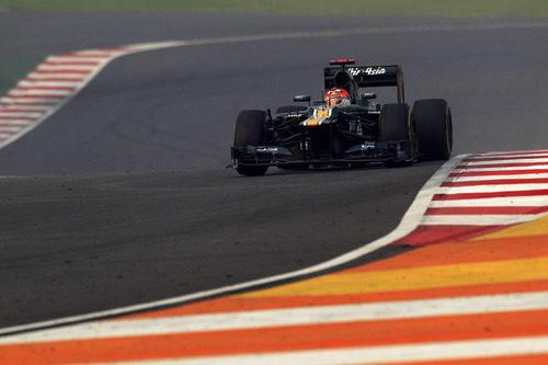 Heikki Kovalainen completa la carrera en India