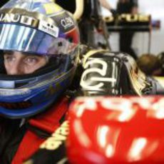 Nicolas Prost rodó con Lotus en la primera jornada de test